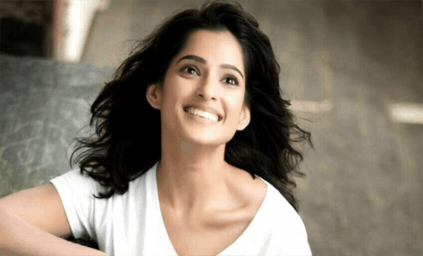 Priya Bapat Biography
