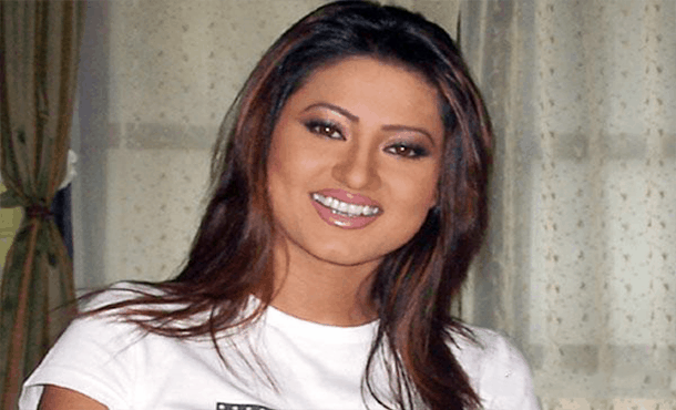 Nigaar Khan Biography