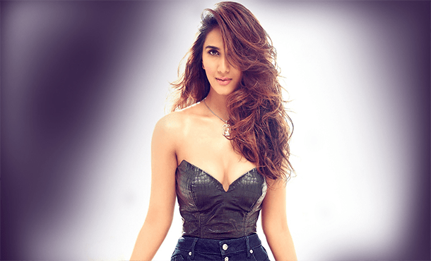 Vaani Kapoor Biography