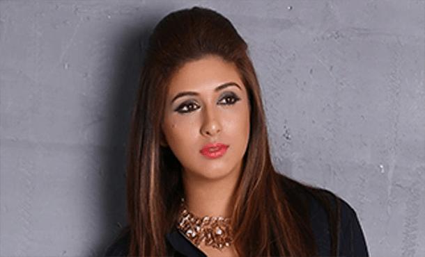 Vahbbiz Dorabjee Biography