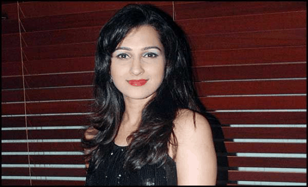 Pooja Kanwal Biography
