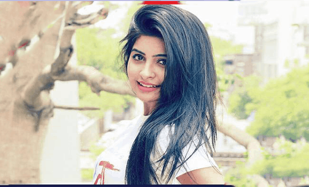 Yukti Kapoor Biography