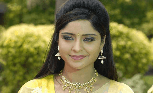 Shubhi Sharma Biography