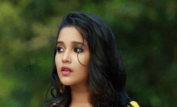 Anikha Surendran Biography