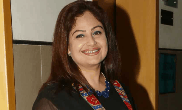 Ayesha Jhulka Biography