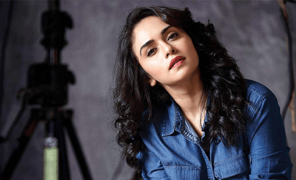 Amruta Khanvilkar Biography