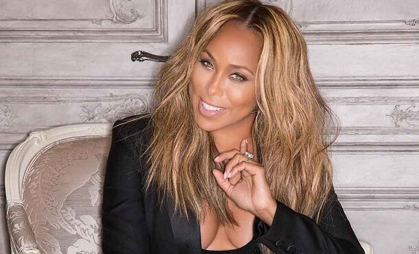 Marjorie Elaine Harvey Biography