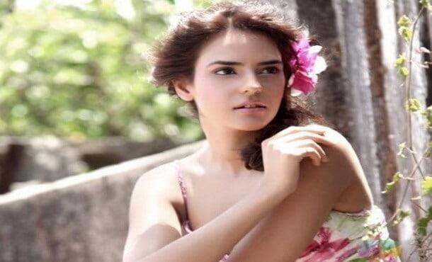 Neelam Sivia Biography