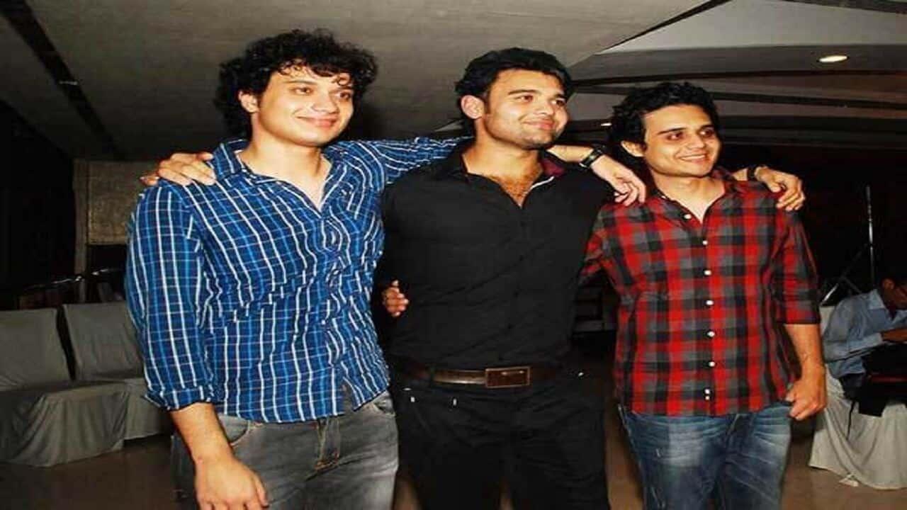 Ushmey-Chakraborty-Brothers