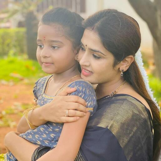 Vidhya Mohan with her daughter